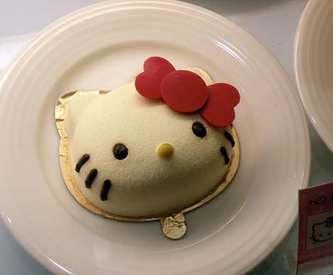 postres hello kitty pastel cabeza