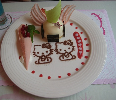 postres hello kitty pastel