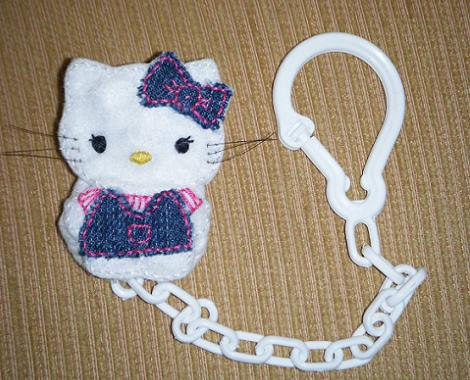 Hello Kitty de fieltro