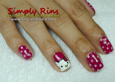 ideas para decorar uñas hello kitty lunares
