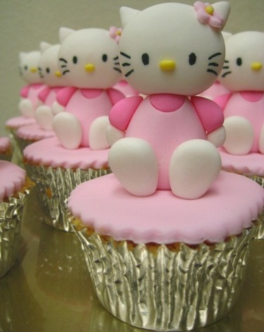 cupcakes hello kitty fondant  - Cupcakes de Hello Kitty