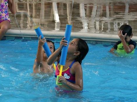 fiesta hello kitty piscina cumpleanera
