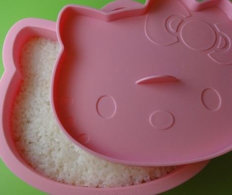 pastel arroz hello kitty aplastar  - Pastel de arroz de Hello Kitty