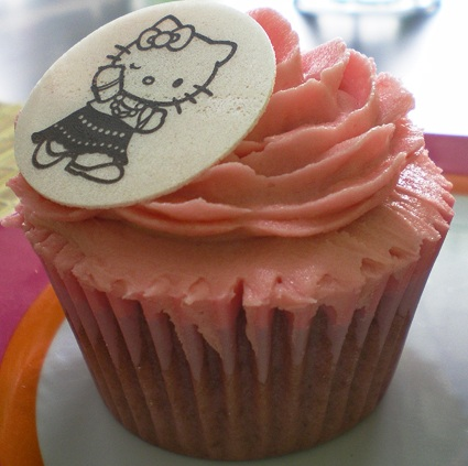 receta cupcakes hello kitty rosas
